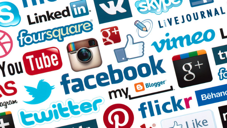 "Mε στόχο την επόμενη γενιά καταναλωτών οι ασφαλιστικές ""σφυροκοπούν"" με διαφημίσεις τα Social Media"