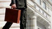 Το ξέφρενο «κυνήγι» ασφαλειών από τις τράπεζες, εξοργίζει τους ασφαλιστές