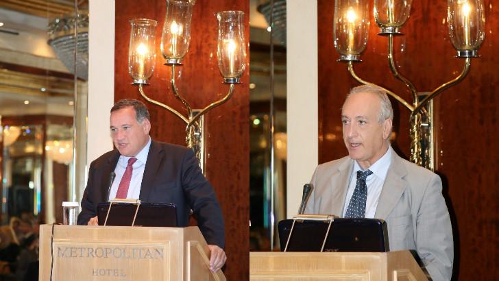 Αριστερά ο  κ. Σπύρος Καπράλος, Πρόεδρος του Ομίλου ΕΥΡΩΚΛΙΝΙΚΗΣ  , δεξία ο κ. Σταύρος Φωτόπουλος, Αντιπρόεδρος και Επιστημονικός Διευθυντής της ΡΕΑ Μαιευτικής Γυναικολογικής Κλινικής.
