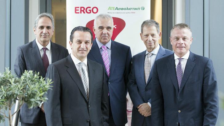 Πάνω σειρά, από αριστερά: ο κ. Ιορδάνης Χατζηιωσήφ, Γενικός Διευθυντής ΑΤΕ Ασφαλιστικής, ο κ. Δημήτριος Χατζηπαναγιώτου, Αντιπρόεδρος ΔΣ ΑΤΕ Ασφαλιστικής και Γενικός Διευθυντής ERGO, ο κ. Ιωάννης Λινός, μη εκτελεστικό Μέλος ΔΣ ΑΤΕ Ασφαλιστικής και ERGO. Κάτω σειρά από αριστερά:  ο κ. Θεόδωρος Κοκκάλας, CEO ERGO & ATE Ασφαλιστικής και ο κ. Alexander Ankel, COO ERGO International.