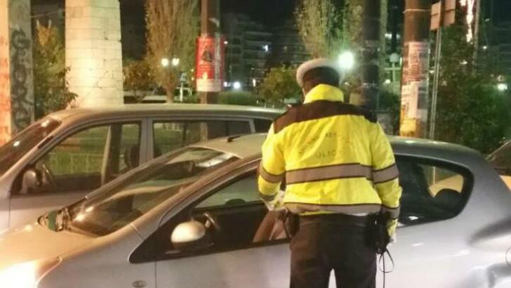 """500 ανασφάλιστα  αυτοκίνητα και 750 μεθυσμένους οδηγούς """"τσίμπησαν"""" έλεγχοι της τροχαίας"""