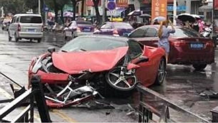 Γυναίκα νοίκιασε Ferrari αξίας 570.000 ευρώ και την τράκαρε λίγα λεπτά μετά! Βίντεο