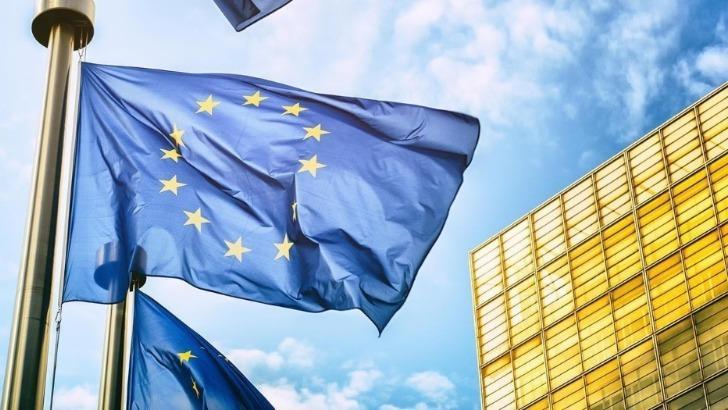 ΕΕΣ: Τα χαμηλά επιτόκια βασική πρόκληση για την ασφαλιστική αγορά στην Ευρώπη